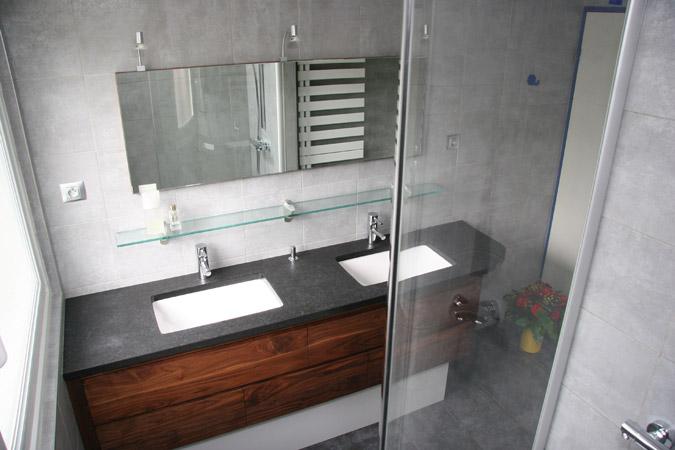 meuble salle de bain en noyer massif